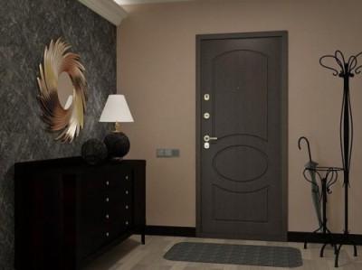 Металлическая дверь на входе