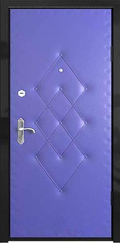 Входная дверь обита дерматином