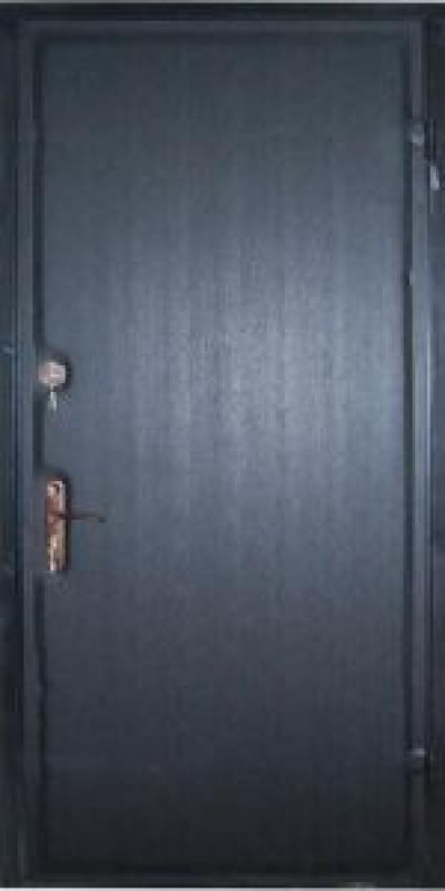 Дверь из железа – недорогой вариант