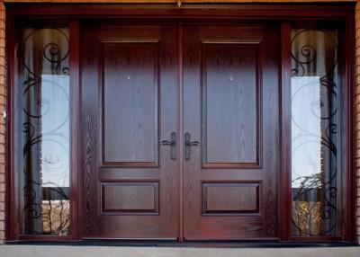 Дверь из массива входная