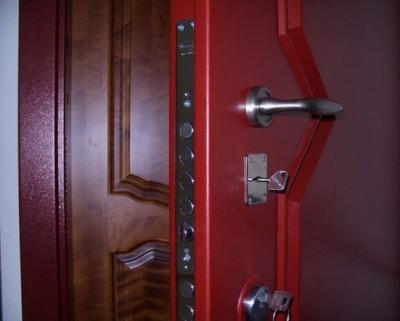Вторая дверь станет неприятным сюрпризом для взломщика
