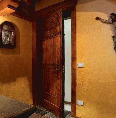 Дверь марки OIKOS