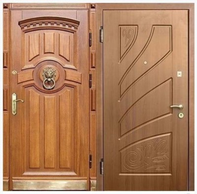 Дверь с оформлением массивом дерева и МДФ