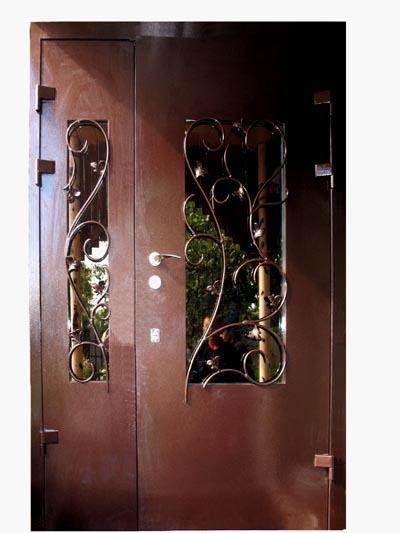 Дешевая дверь с отделкой