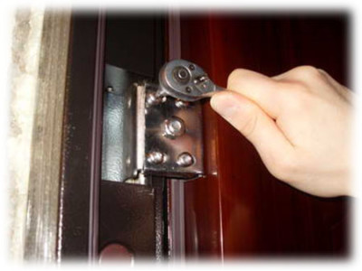 Регулировка входной стальной двери