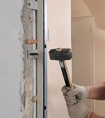 Обустройство металлических дверей