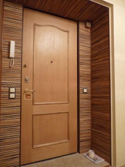 Облицовка двери ламинатом