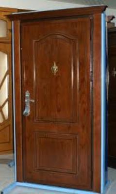 Входная дубовая дверь перед установкой