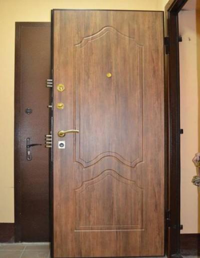 Дополнительная входная дверь