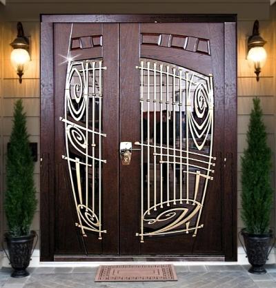 Двухстворчатая входная дверь со стеклопакетом