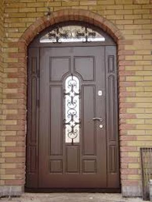 Дверь квартирная входная наружная