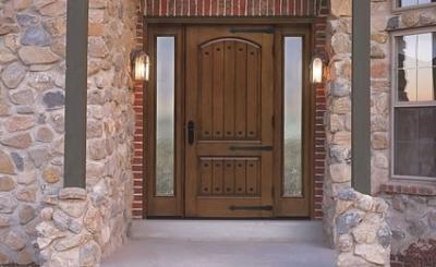 Входная металлическая дверь установленная на даче