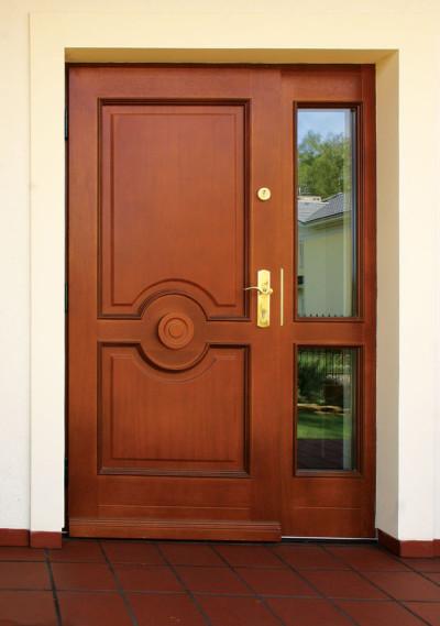 Массивные двери стандартных параметров